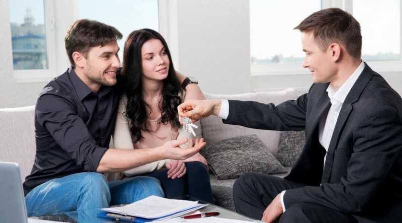 Фото встреча арендаторов с риэлторами для заключения договора
