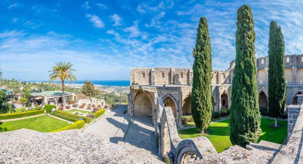 Северный Кипр Монастырь Беллапаис.jpg