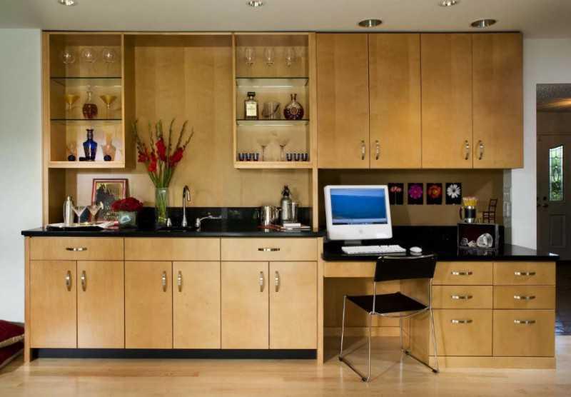 Фото преобразование кухни под офис для работы из дома в период эпидемии коронавируса