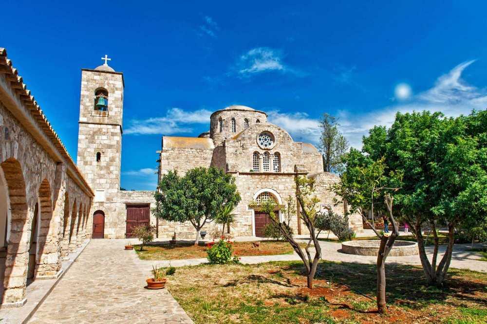 Монастырь-Святого-Варнавы-Северный-Кипр_1.jpg