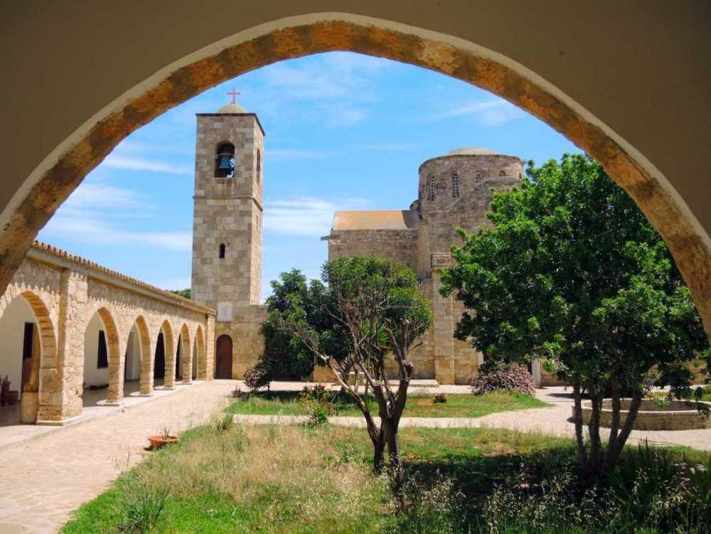 Монастырь-Святого-Варнавы-Северный-Кипр_5.jpg