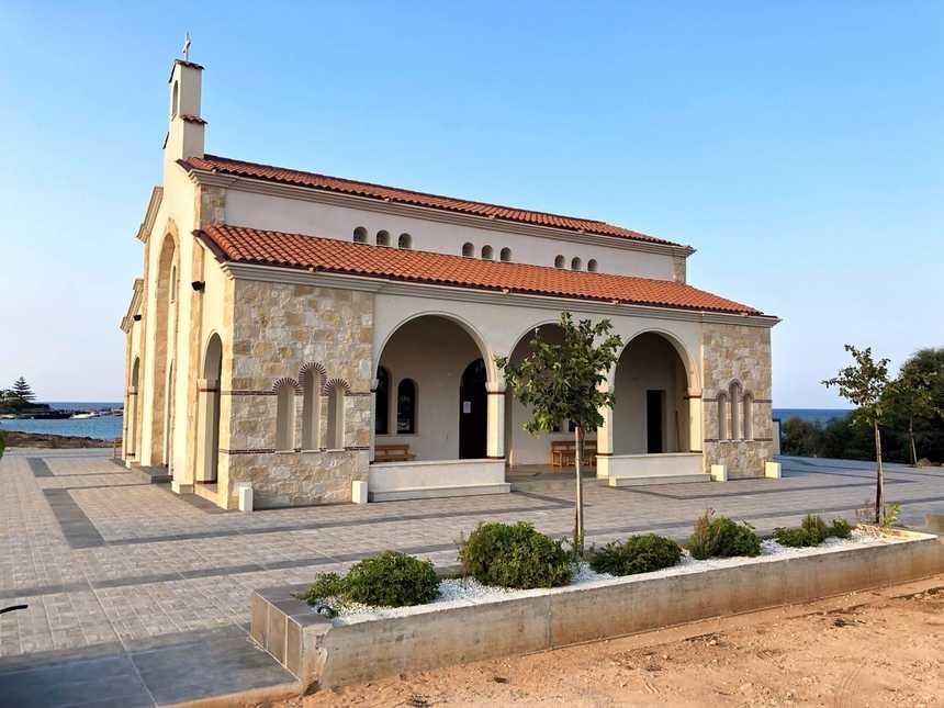 Храм апостола Андрея Протоклета Первозванного Северный Кипр 1.jpg
