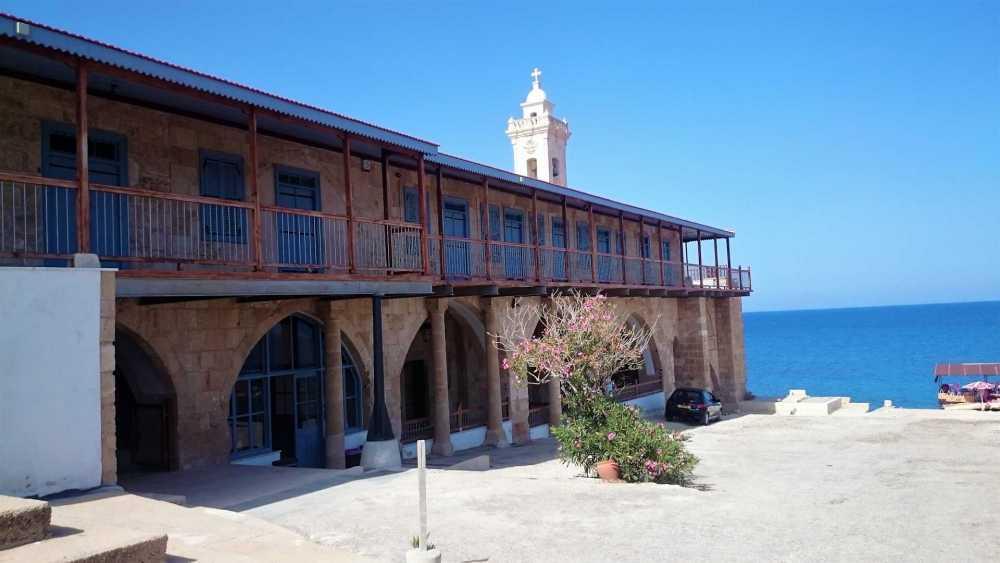 Монастырь-Апостола-Андрея-Северный-Кипр_1.jpg